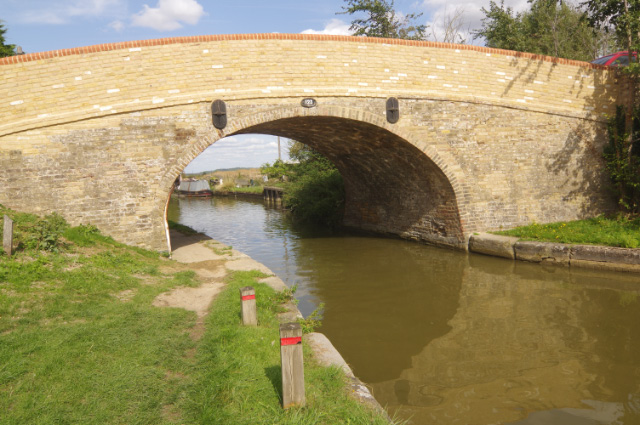 Ivinghoe Bridge, Grand Union Canal