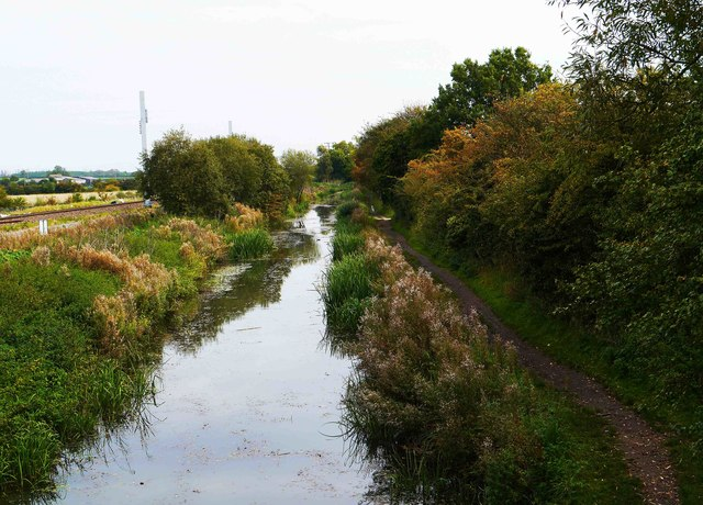 Railway, canal & towpath, Royal Wootton Bassett, Wilts