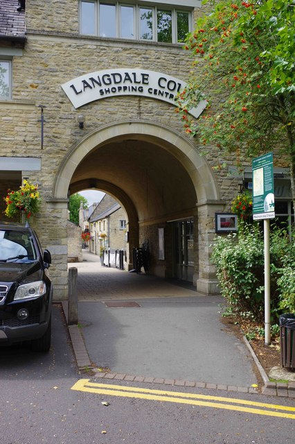 Entrance arch to Langdale Court Shopping Centre, Witney, Oxon