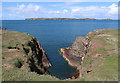 SM7405 : Rat Bay, Skokholm by Hugh Venables
