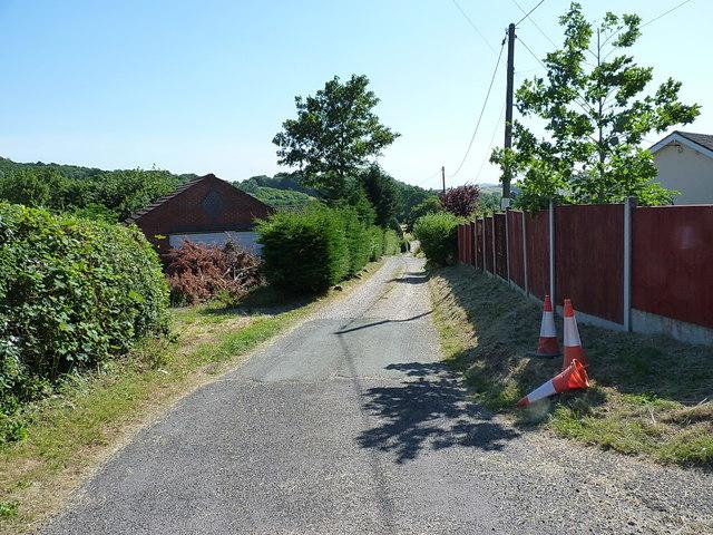 Village track between Cefn Lane and Porth Y Waen