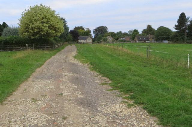 Footpath into Hinton