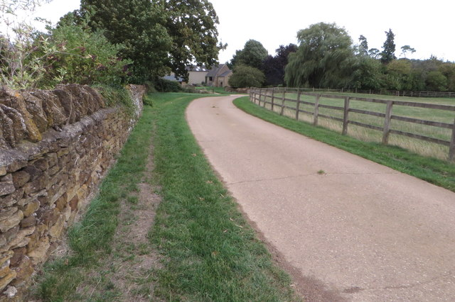 Track to Astrop Park Farm