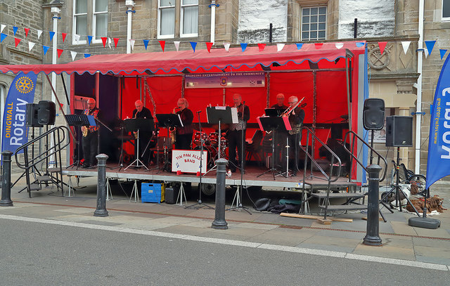 The Tin Pan Alley Band at Dingwall High Street