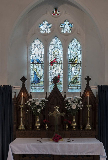 Altar and East window, St Margaret's church, Roughton