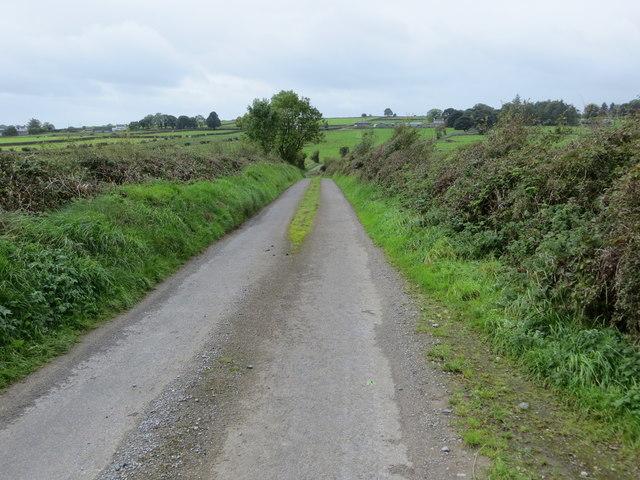 Local road L1618 to Castleteheen