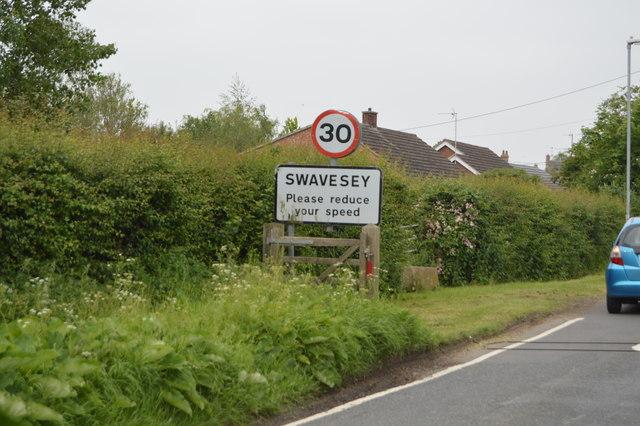 Entering Swavesey, Ramper Rd