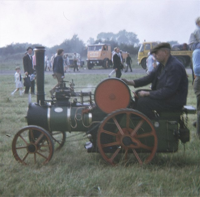 Miniature Traction Engine, Dalton Airfield (1970)
