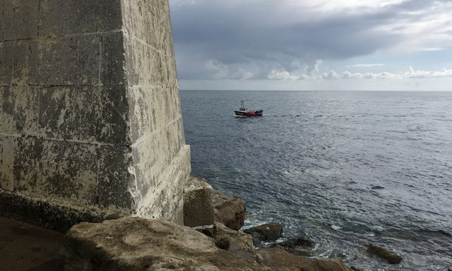 Taking the inshore passage, Portland Bill