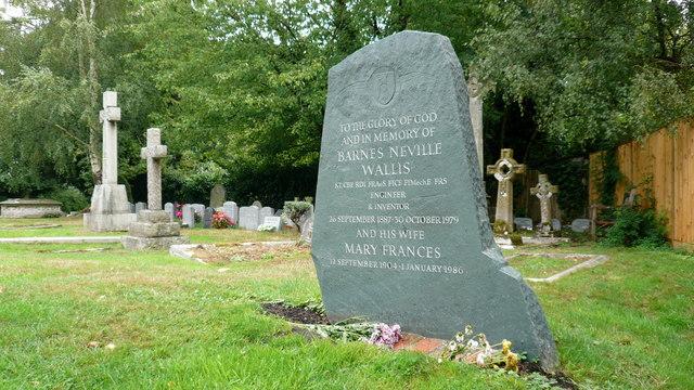 Barnes Wallis grave