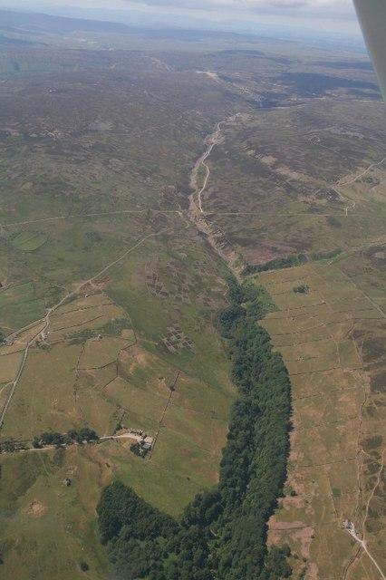 Barney Beck descending towards River Swale: aerial 2018
