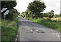 SU1659 : Everleigh Road south of Pewsey by Jaggery