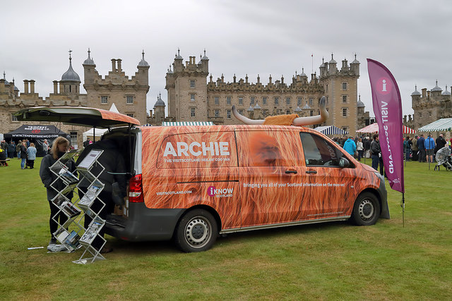 Archie the Heilan' Coo van at Floors Castle