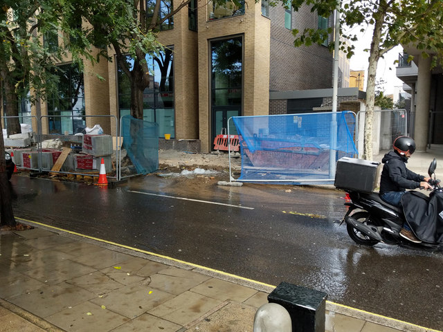 Damaged water main, Long Lane, SE1