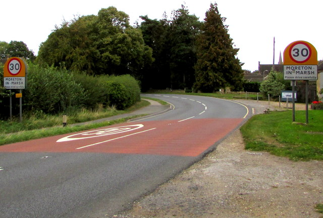 Moreton-in-Marsh - Please Drive Carefully