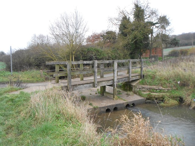 River Beane: Ford Lane ford & footbridge