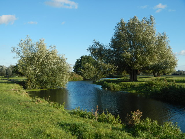 The River Stour upstream of Fen Bridge