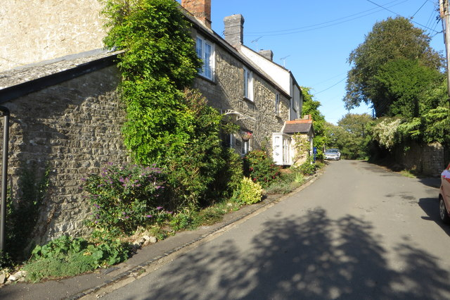 Cottages along Chapel Lane
