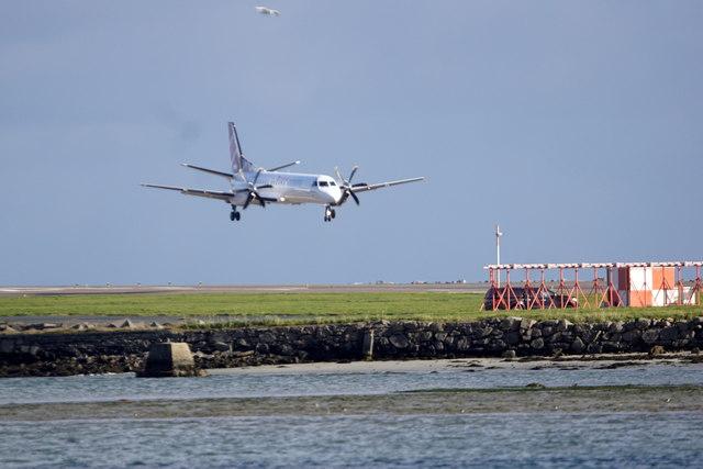 Loganair flight landing at Sumburgh Airport