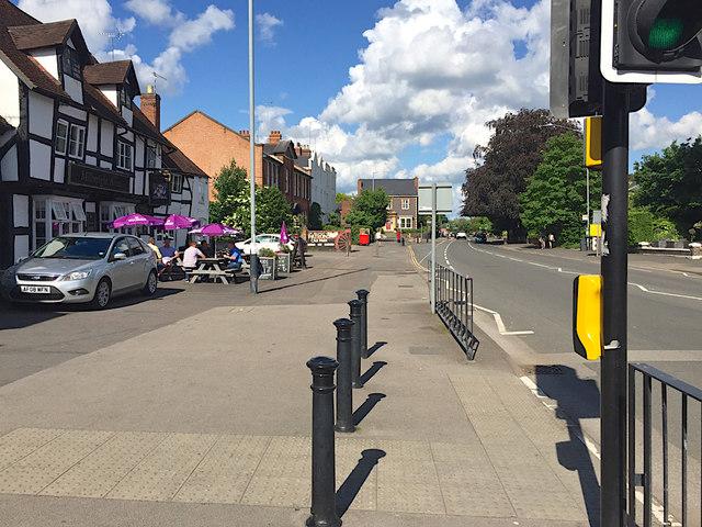 Wide footway, Coten End, Warwick