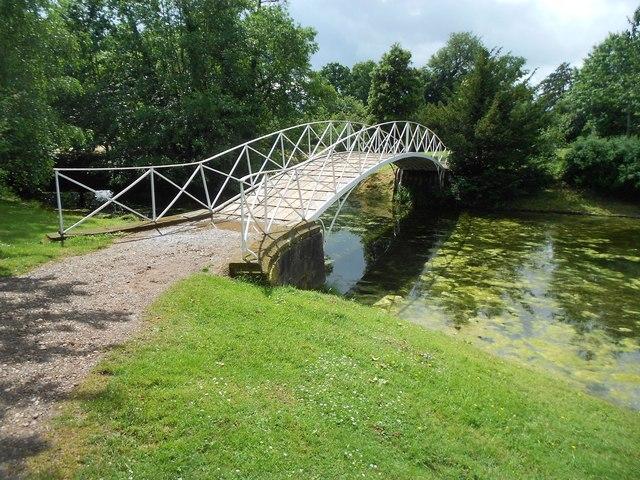 Croome Park: Footbridge to an island