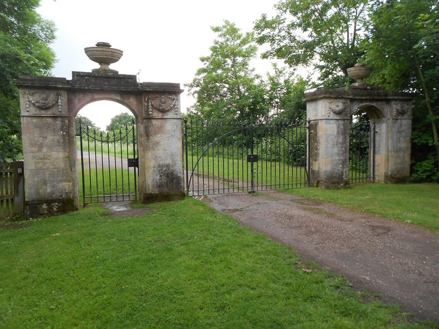 Croome Park: Punchbowl Gates