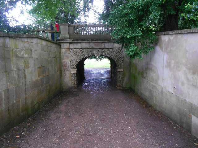 Croome Park: Dry arch bridge