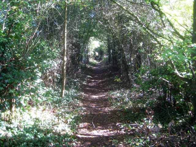 Sarratt: Footpath between Redheath and Cassiobury Park