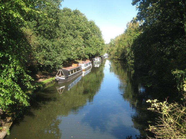 Grand Union Canal: View from Bridge No 168