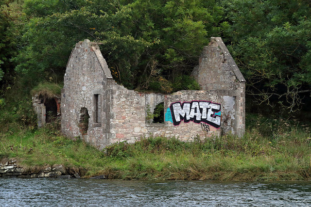 A ruined salmon shiel by the River Tweed