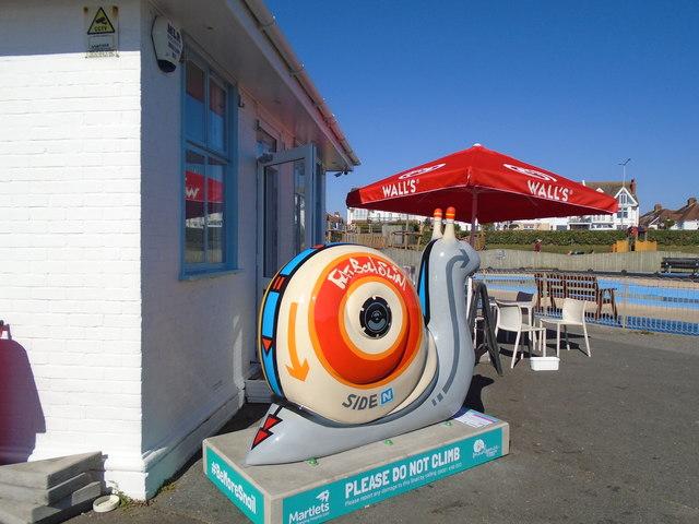 Snailspace #01 Big Beach Cafe