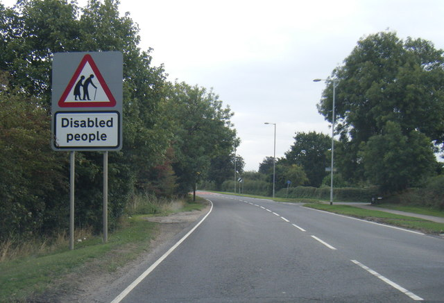A1041 leaving Snaith at a large warning sign