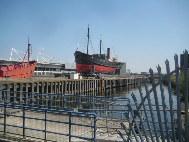 Royal Victoria Dock: SS Robin