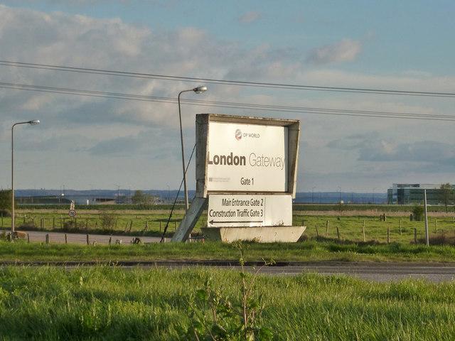 Gate 1 sign, London Gateway, 2015
