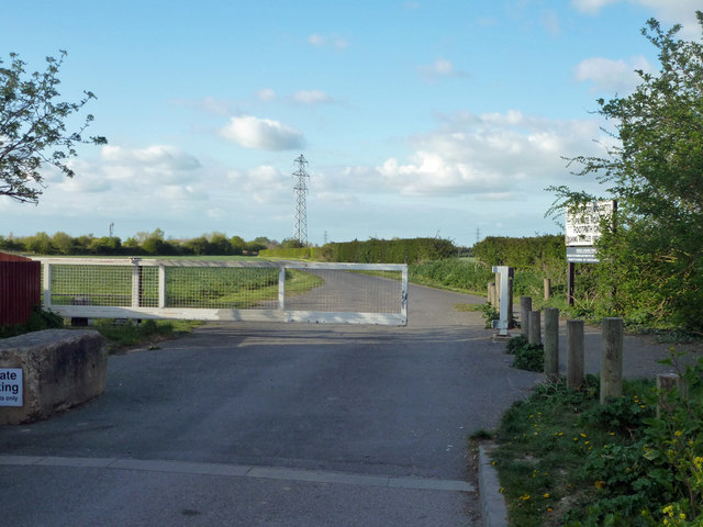 Gate on Doggetts Chase, Rochford