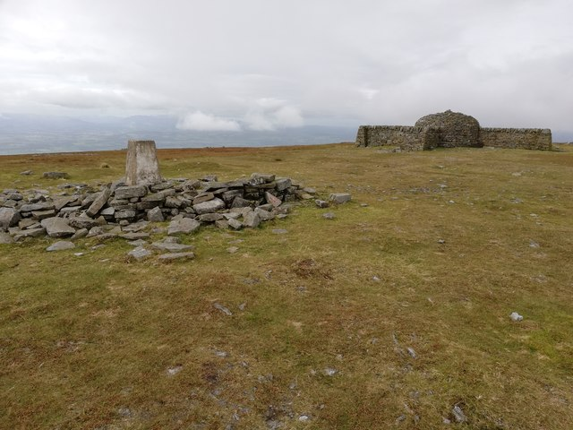 Trig Point and Summit Shelter, Cross Fell