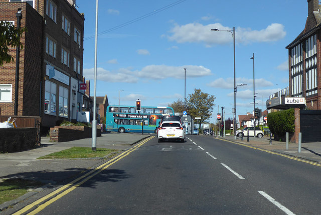 Thames Drive meets London Road, A13