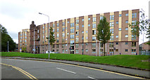 NS5565 : Apartment building on Govan Road by Thomas Nugent