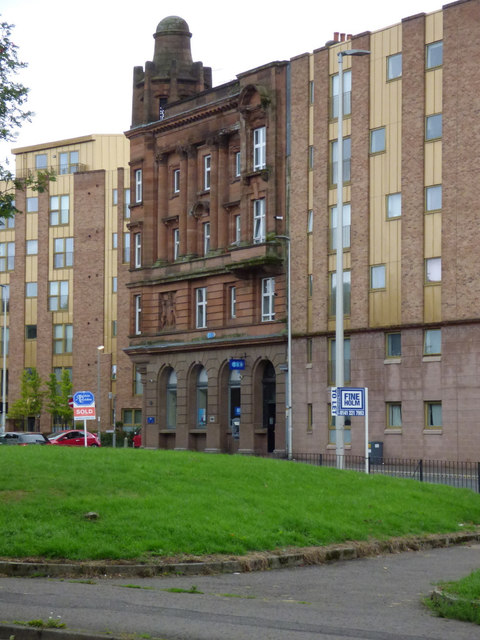 Old and new buildings on Govan Road