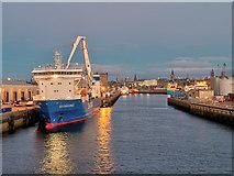 NJ9505 : Sea Cargo Express at Aberdeen Harbour by David Dixon