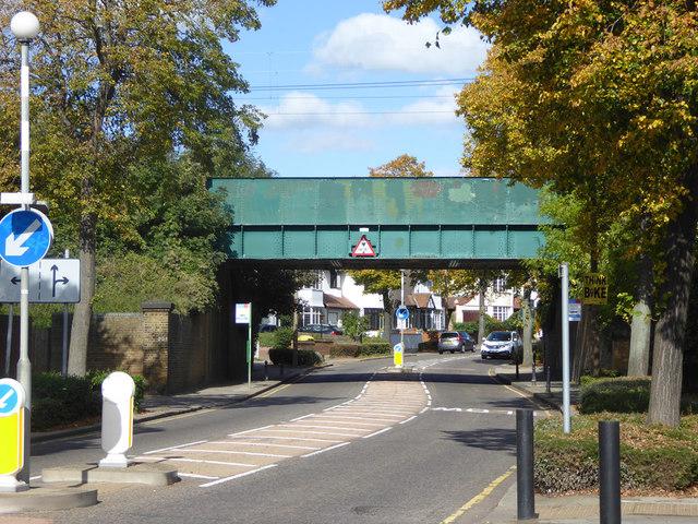 Railway bridge FSS2 231 over Chalkwell Avenue