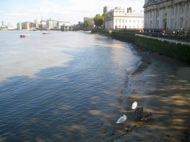 River Thames: South bank foreshore in Greenwich