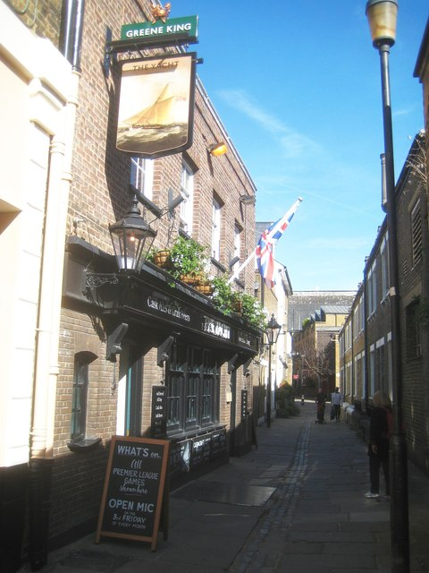 Greenwich: Crane Street & The Yacht