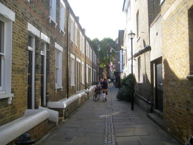 Greenwich: Crane Street