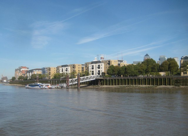 Isle of Dogs: Masthouse Terrace Pier & Site of the SS Great Eastern Slipway