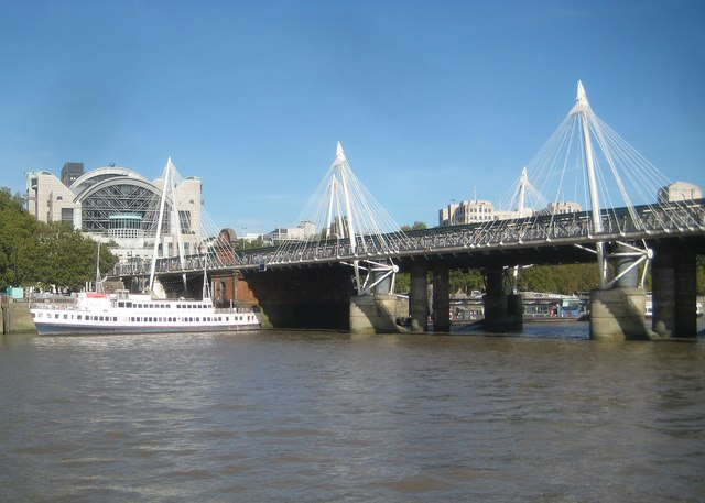 River Thames: Hungerford Bridge