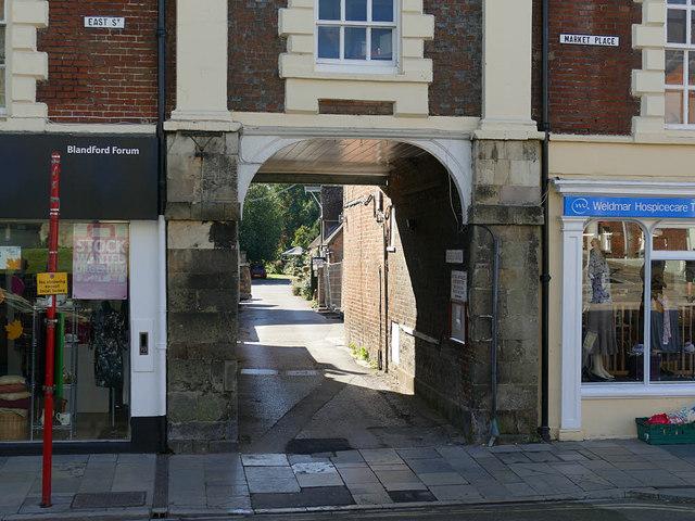 Bere's Yard, Blandford Forum