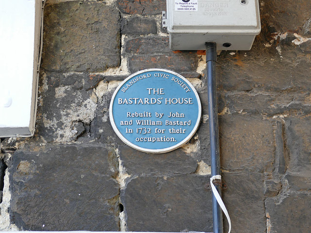 Blue plaque, Bere's Yard, Blandford Forum