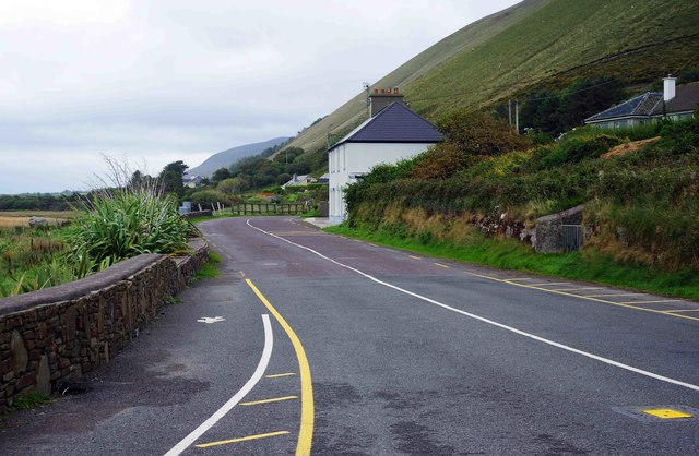 R564 road looking east, Rossbeigh Beach, Glenbeigh, Co. Kerry