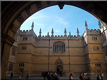 SP5106 : Oxford: through the arch to the Bodleian Library by Chris Downer